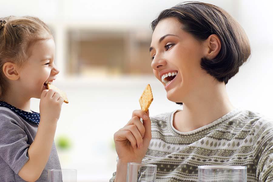 Tandprothetische Praktijk Dronten & Lemmer is gespecialiseerd in het aanmeten en vervaardigen van uw volledig of gedeeltelijke gebitsprothese, uw noodgebit of implantaat